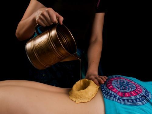 Kati Vasti masaż ajurwedyjski